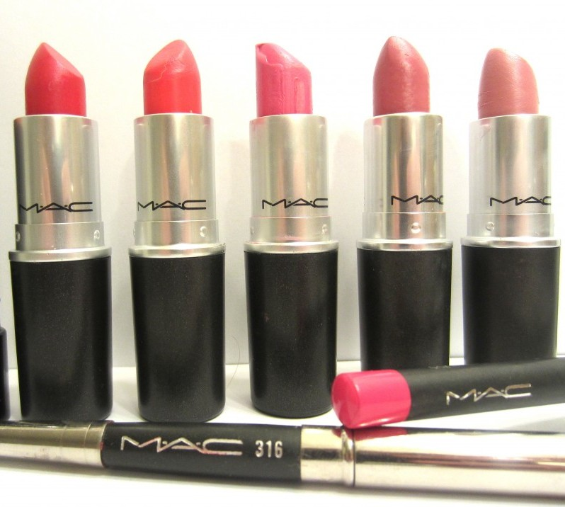 Fashion Favorites Pink Lipstick