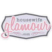 Housewife Glamour Grab Button