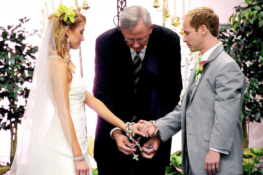 Tying the Knot through Handfasting