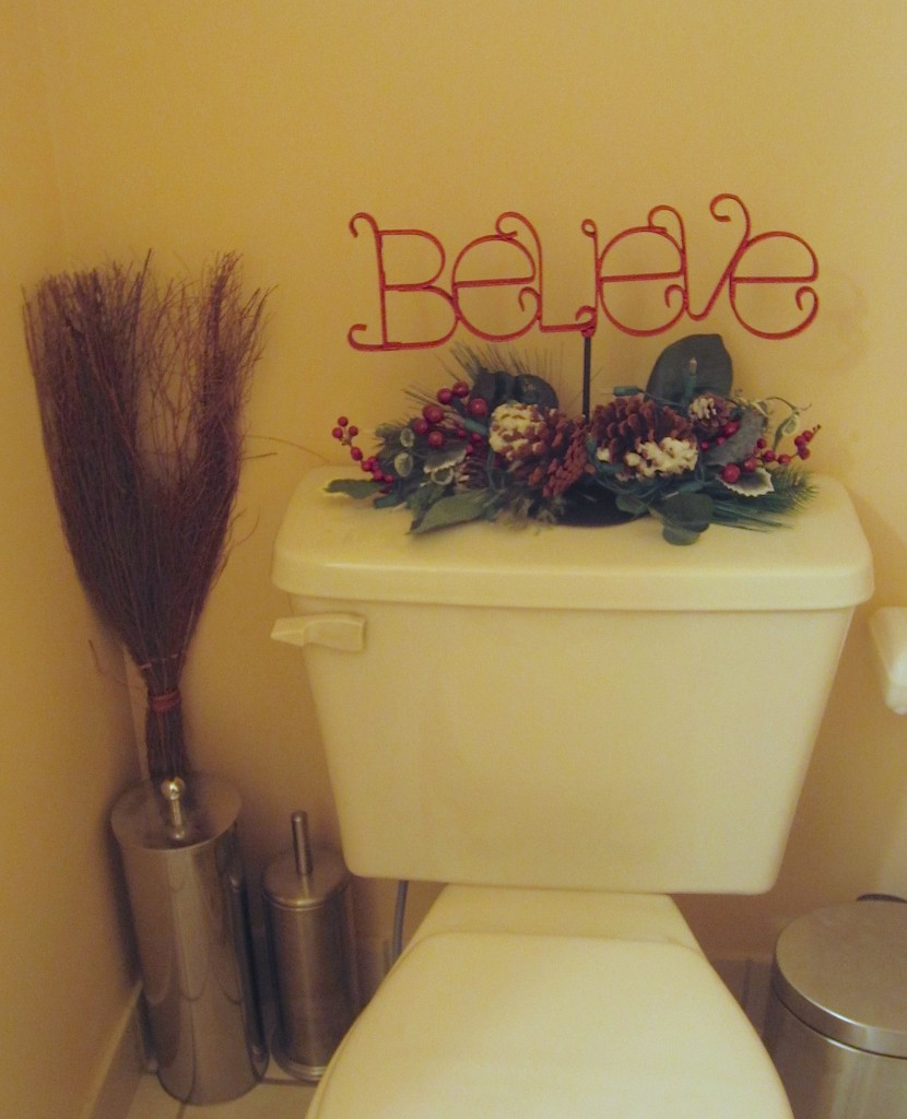 holiday bathroom decoration