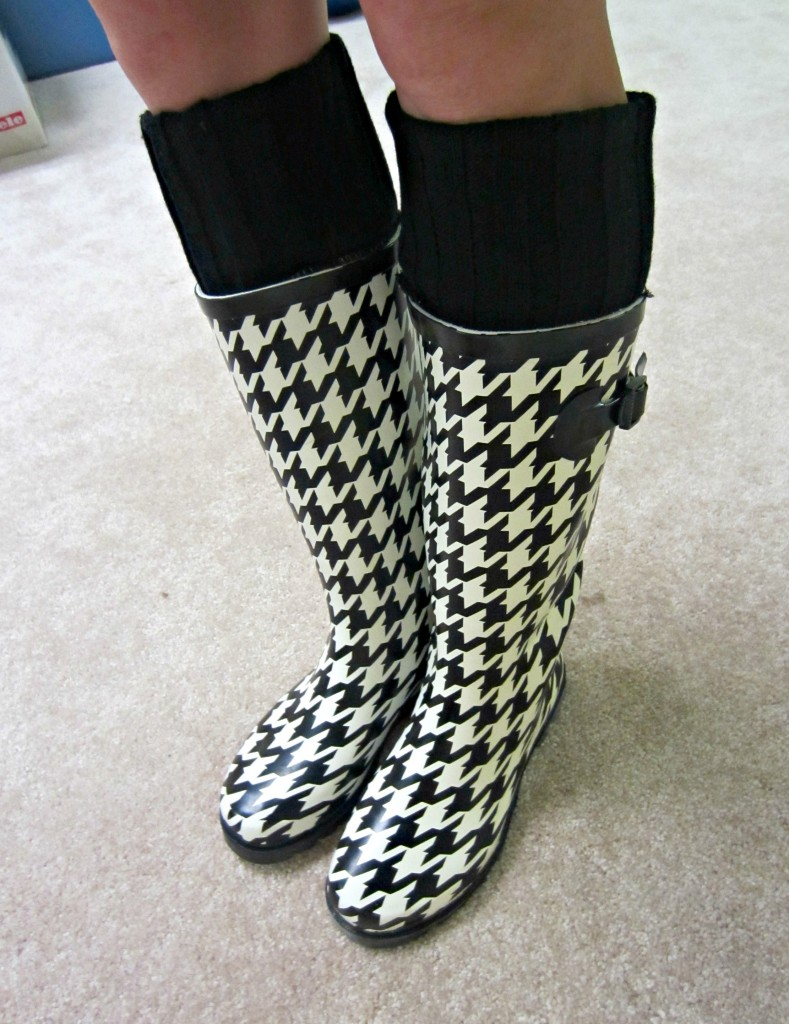houndstooth print rain boots