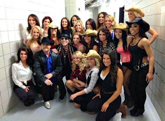 Pistons Dancers with Big & Rich