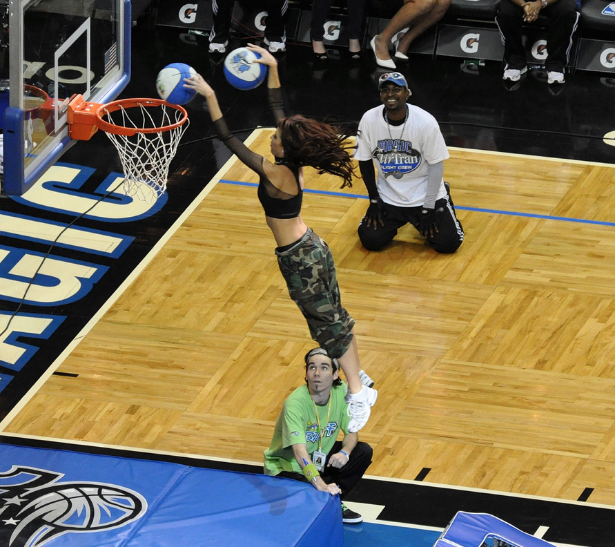 orlando magic dancers dunking 2010