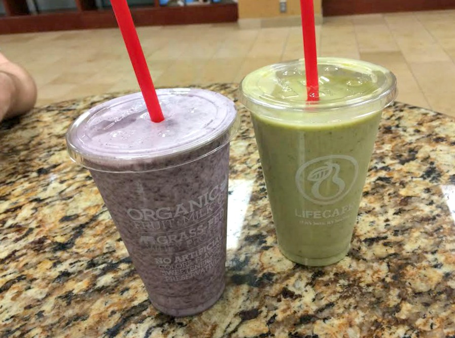 green smoothie and fruit smoothie