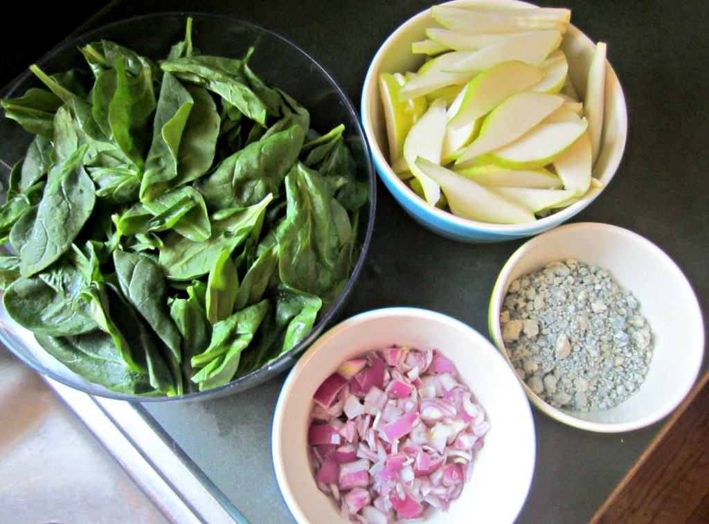 spinach and pear salad ingredients