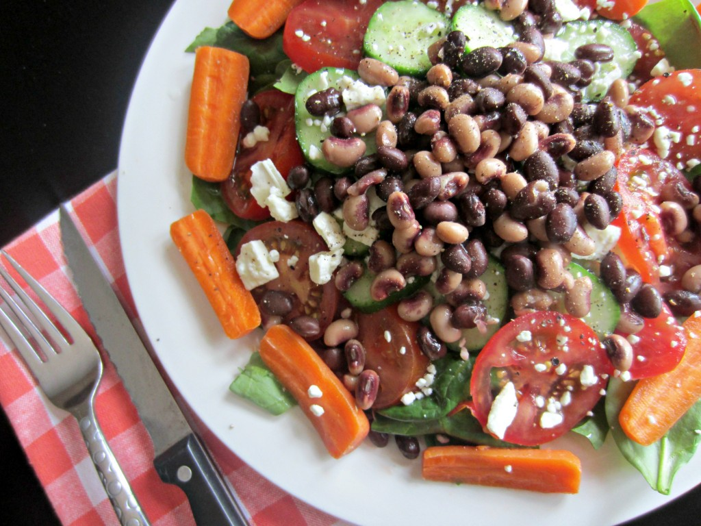 healthy spinach salad with beans