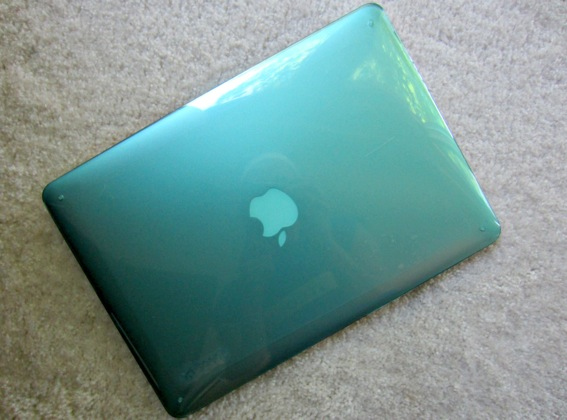 Apple-MacBook-Pro-Speck-shell-case-teal.jpg.jpg