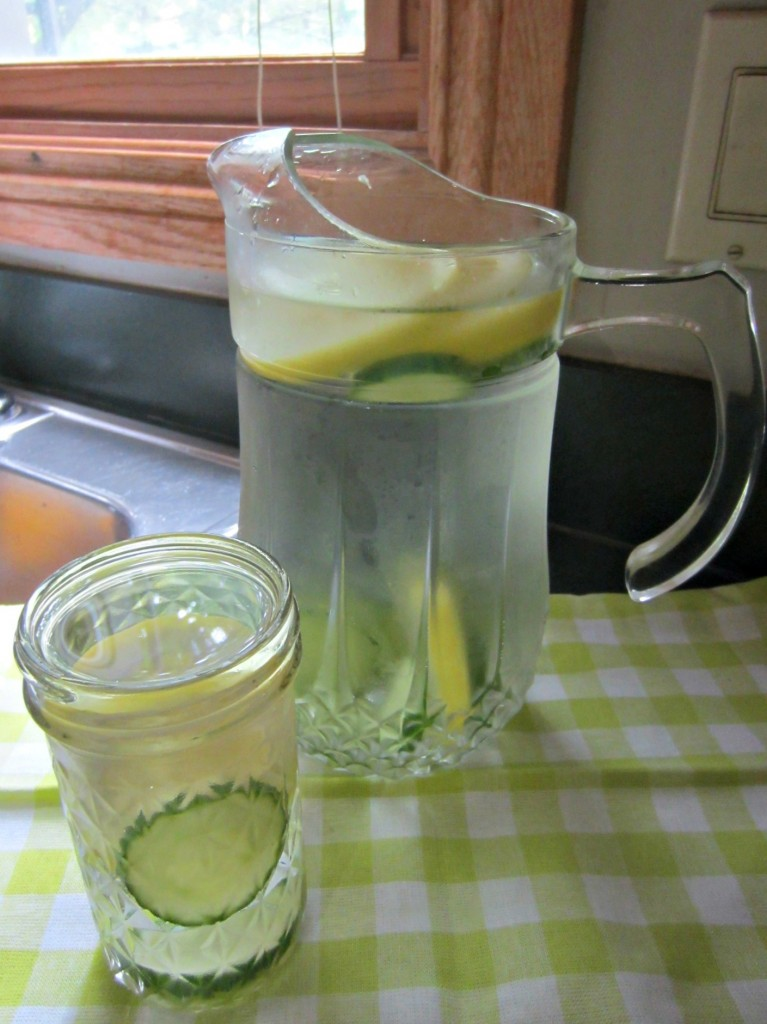 cucumber and lemon water
