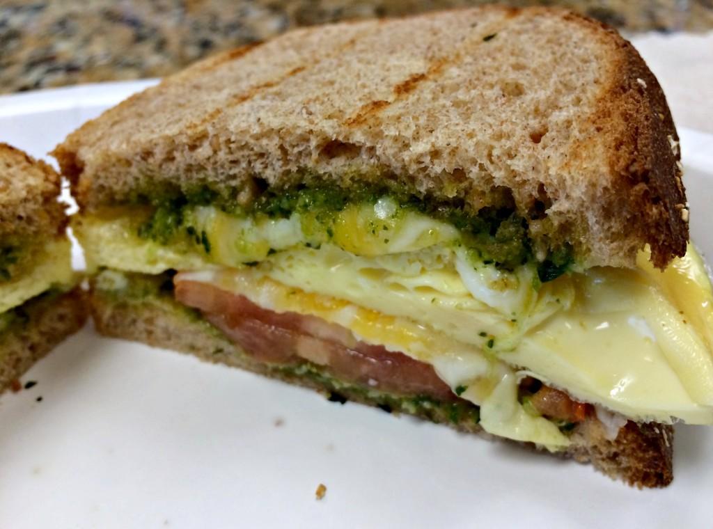 healthy egg and pesto breakfast sandwich