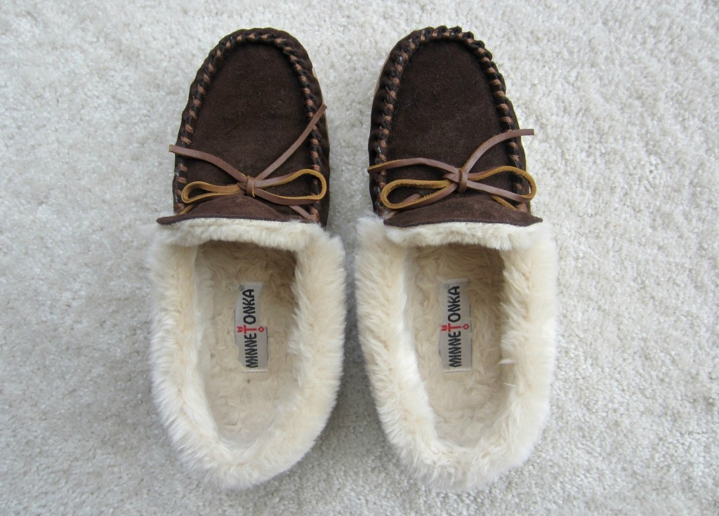 Minnetonka womens slippers