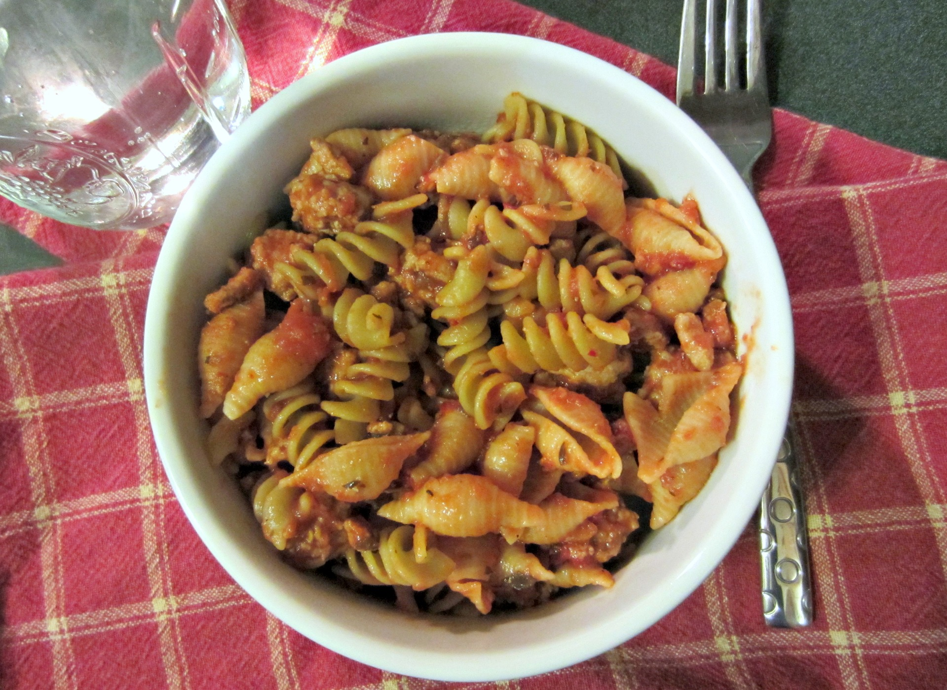 healthy pasta with turkey meat sauce